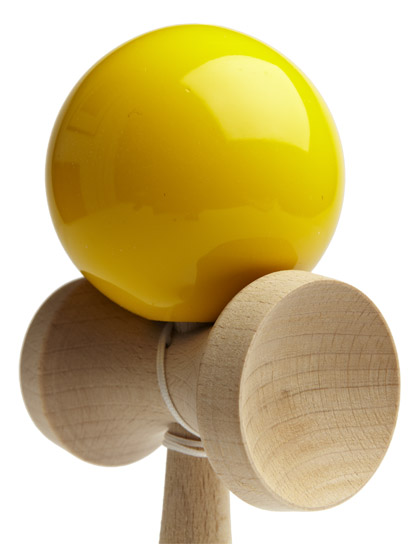 Kendama Ozora Yellow Closeup