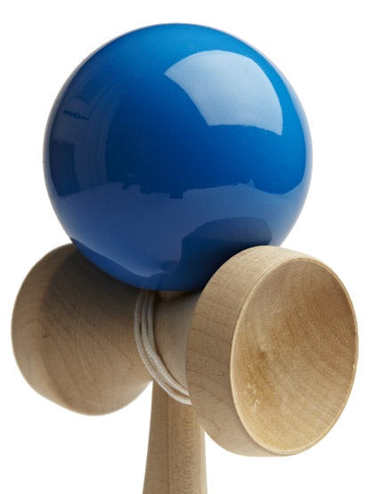 Kendama TK16 Blue Closeup