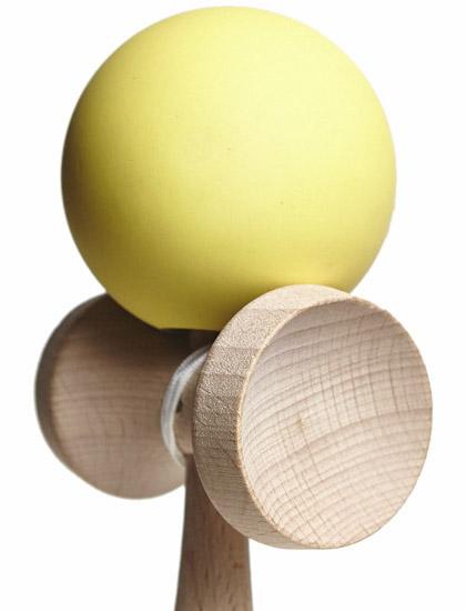 Kendama Union Rubber Yellow Closeup
